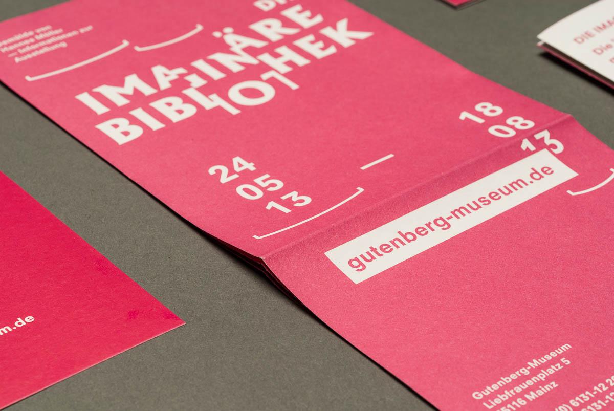 Detailansicht Titelseite Flyer Gutenberg-Museum Mainz – Die imaginäre Bibliothek – Corporate Design © Christian Weber – Büro für Gestaltung und Kommunikation