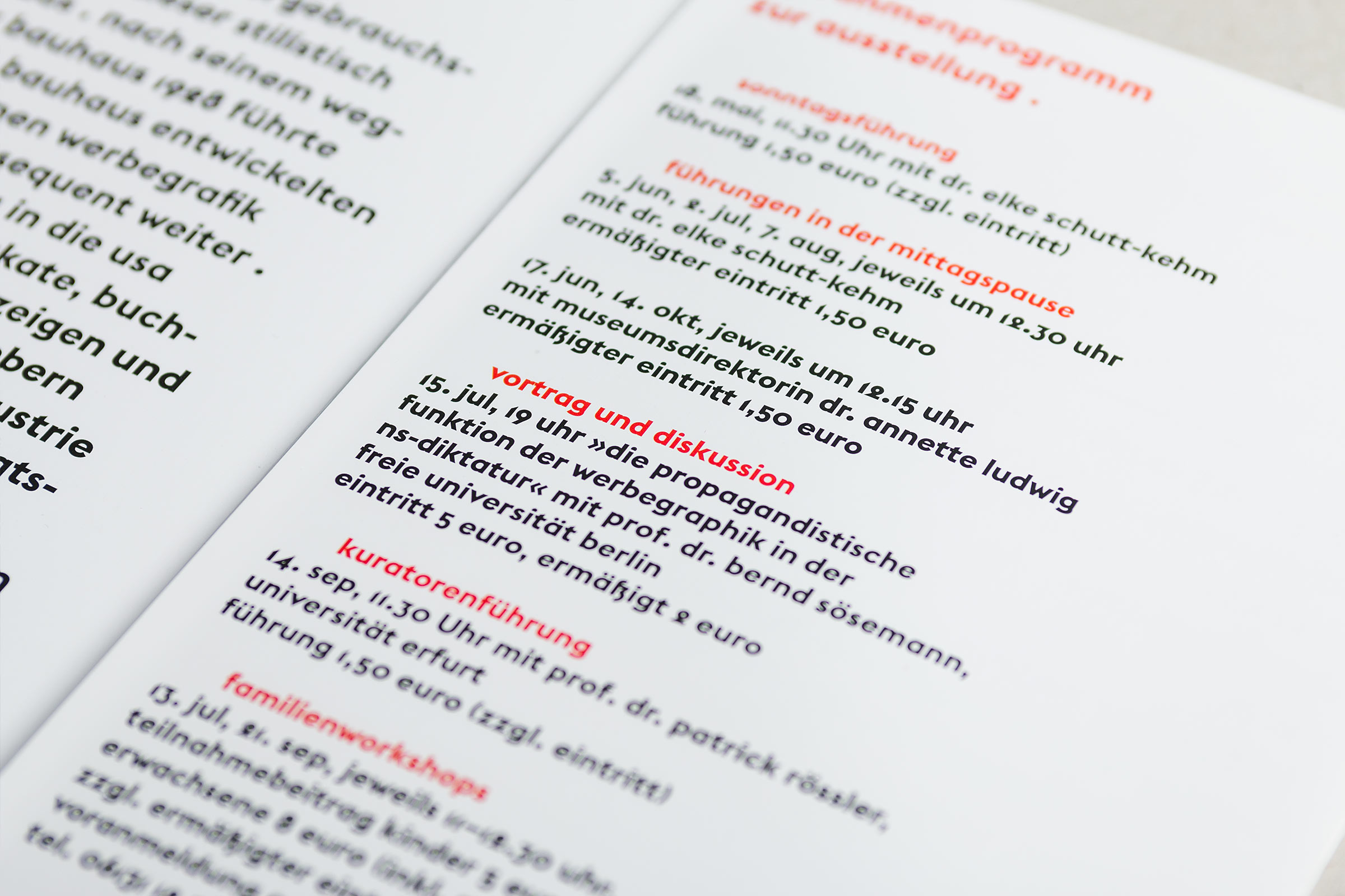 Typografische Details im Flyer zur Herbert Bayer-Ausstellung im Gutenberg-Museum Mainz. Das Museum der Zukunft © Christian Weber – Büro für Gestaltung und Kommunikation