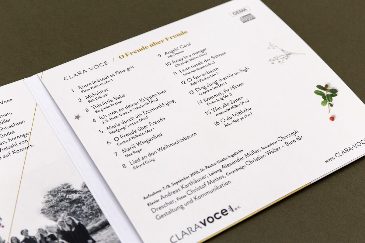 Trackliste CD-Cover für Chor Clara Voce © Christian Weber – Büro für Gestaltung und Kommunikation